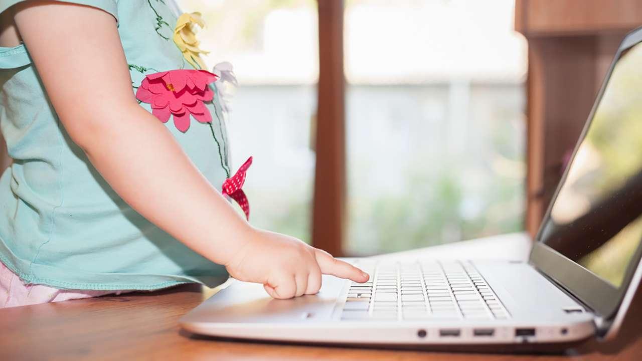 У Великобританії вводять правила для захисту дітей в інтернеті - Фото 1